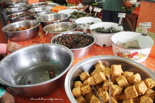 Cirebon-Nasi Jamblang3