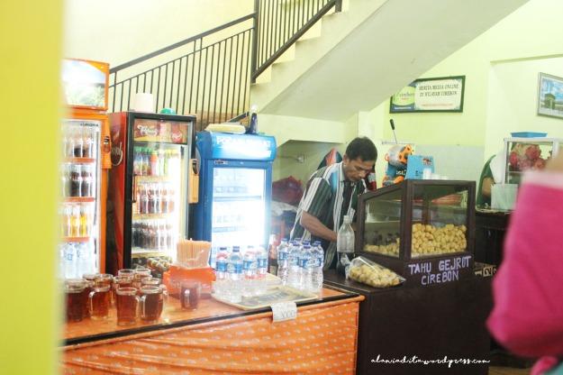 Cirebon-Nasi Jamblang4
