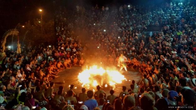 hanoman-membakar-istana