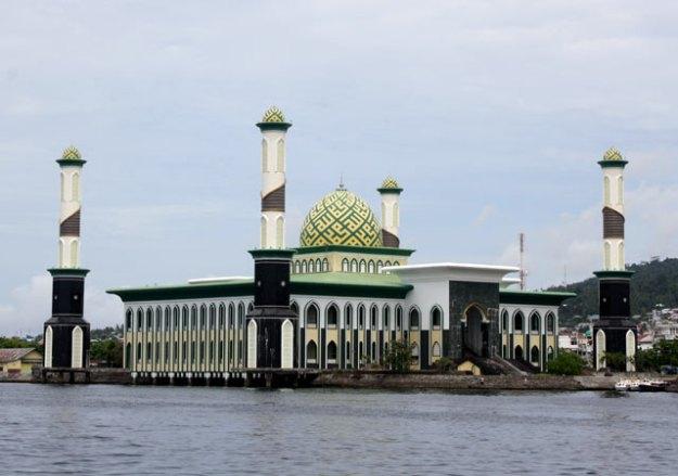 masjid-apung-ternate.jpg