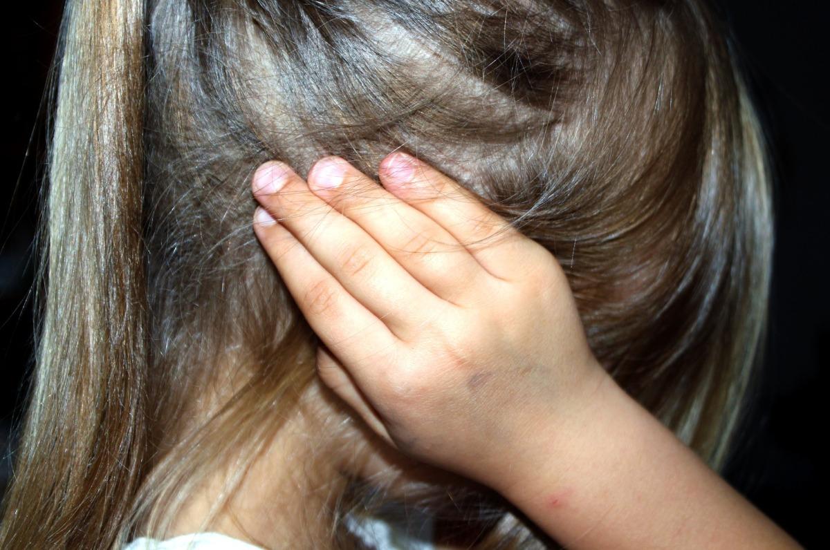 Tentang Kekerasan pada Perempuan dan Anak.
