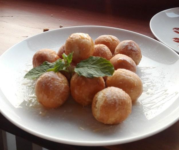 Italian honey balls.jpg