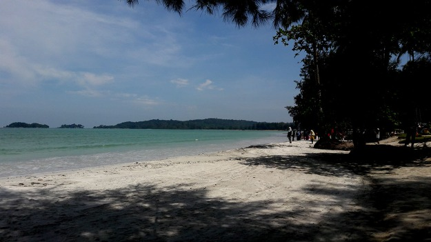 Lagoi Bay Beach.jpg