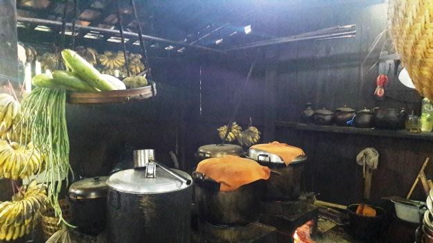 Area Dapur serba pisang.jpg